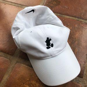 Accessories - Disneyland Mickey Mouse Nike white baseball hat